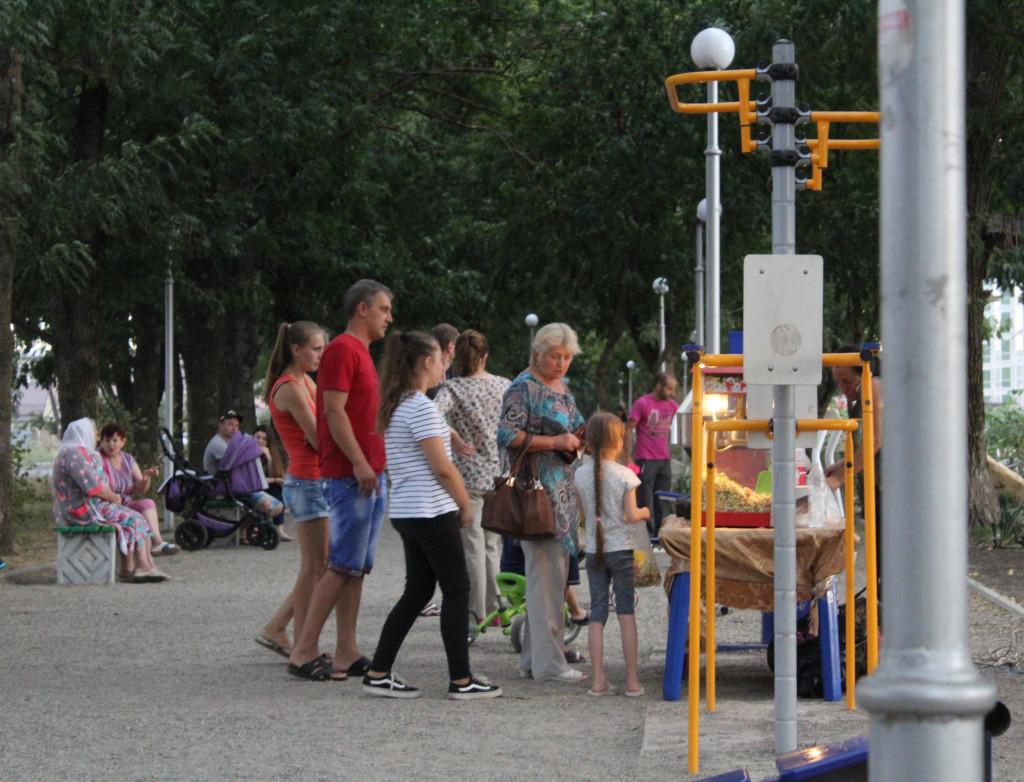 """Арт-площадка на """"Аллее ласточек"""" полна посетителей"""